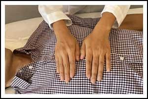 Photo of a Reiki treatment